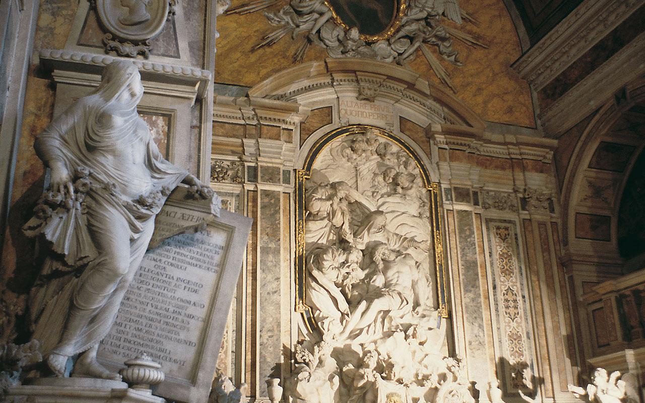 L'immagine mostra la statua La Pudicizia, collocata all'interno della Cappella Sansevero