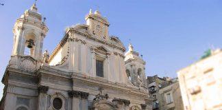 La Piazza insieme alla Chiesa dei Girolamini fanno da set al film Operazione San Gennaro, in cui Nino Manfredi e la sua banda proveranno a rubare il tesoro
