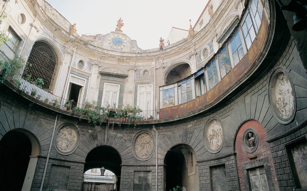 Jacopo cestaro archivi itinerari di napoli for Cortile circolare
