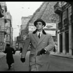 La fotografia ritrae Vittorio Gassman da una scena tratta dal film Giudizio Universale