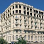La fotografia mostra l'Hotel Excelsior, albergo che ha fatto da sfondo a molte pellicole.