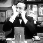 Scena tratta dall'episodio Il professore de L'oro di Napoli. Don Ersilio Miccio, interpretato da Eduardo de Filippo, insegna agli abitanti del vicolo la grande arte del pernacchio. Location è Vico Purgatorio ad Arco