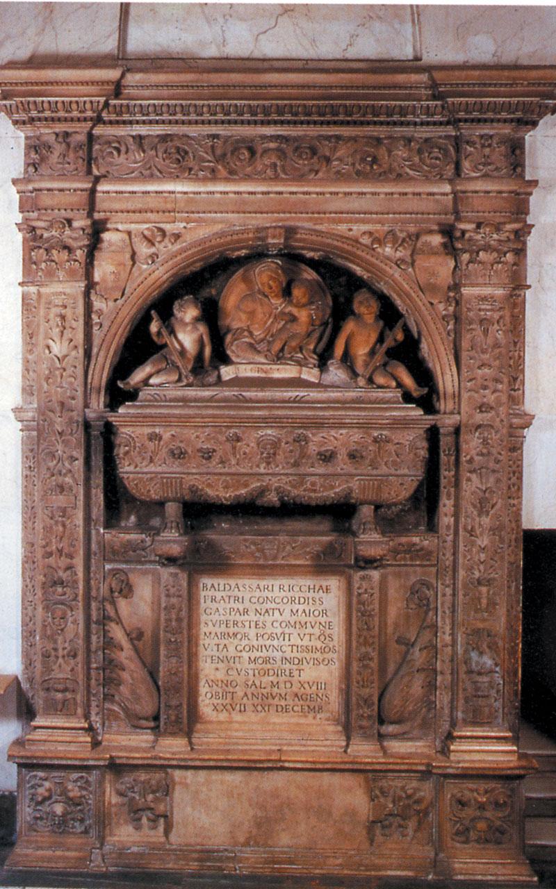 Nella chiesa di San Pietro ad Aram si trova il Sepolcro di Baldassarre Ricca, scolpito nel 1519 da Giovanni Jacopo da Brescia