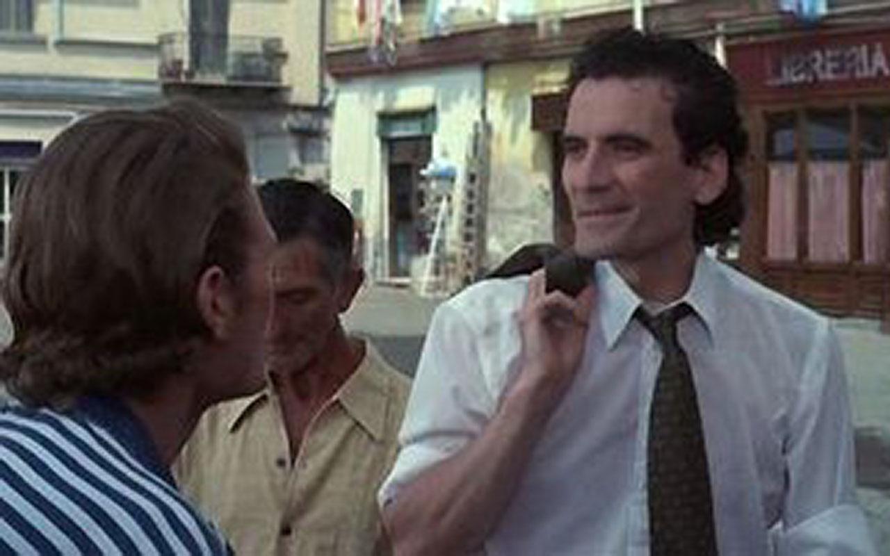 Borgo Marinari è il set principale della pellicola Pensavo fosse amore invece era un calesse. Film diretto e interpretato da Massimo Troisi