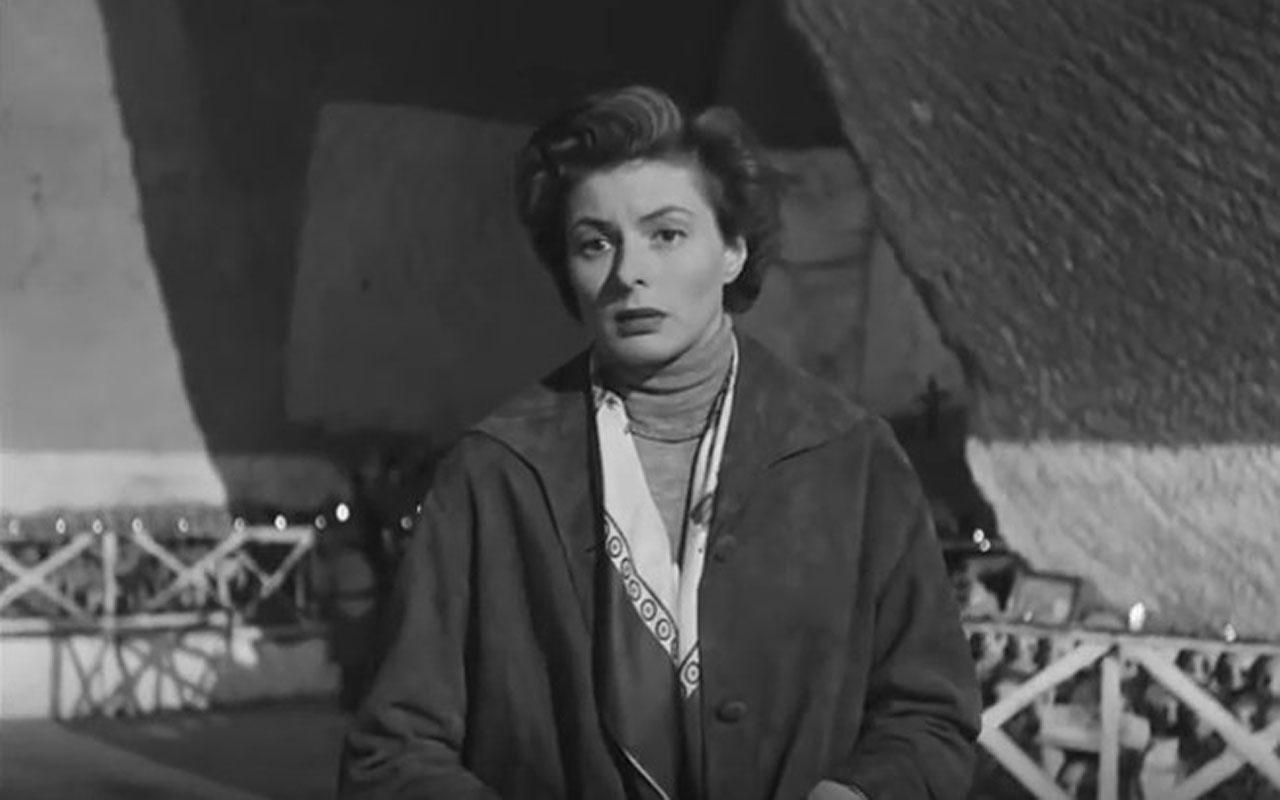 Una scena del film Viaggio in Italia è girata al Cimitero delle Fontanelle. La protagonista è Ingrid Bergman