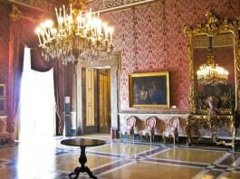 Appartamento storico a Piazza Del Plebiscito
