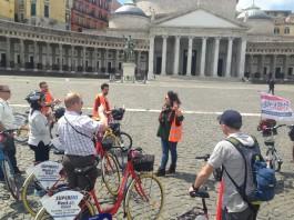 Visitare Napoli in bicicletta