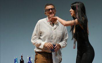 Luca Barbareschi Chiara Noschese saranno in scena dal 7 al 18 febbraio al Teatro Mercadante con lo spettacolo L'anatra all'arancia.