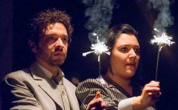 Sabato 14 e domenica 15 aprile sul palco del Nuovo Teatro Sancarluccio si terrà A-Medeo di Marina Cioppa e Michele Brasilio.