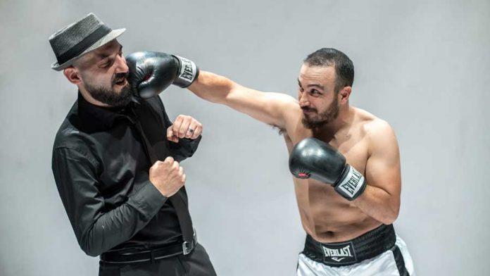Mercoledì 24 ottobre 2018, Teatro Nuovo di Napoli Muhammad Ali di Pino Carbone e Francesco Di Leva.
