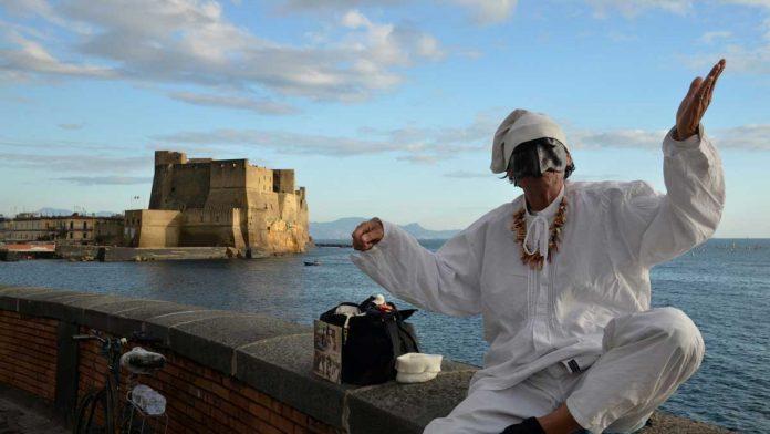 Pulcinella una delle maschere napoletane più famose