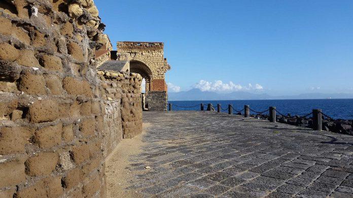terza giornata nazionale del paesaggio e visite guidate gratuiti a Castel dell'Ovo