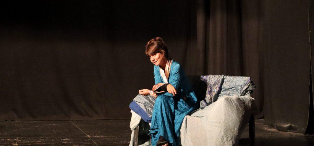 La Maitresse di e con Gaia Aprea in prima nazionale al teatro Sannazzaro